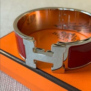 Hermes Jewelry - Hermès Clic Clac H Bracelet GM in Rouge de Chine